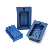 The Doctor Who TARDIS gelatin mold set gift