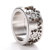 Kinekt's Gear Ring gift is jewellery in motion