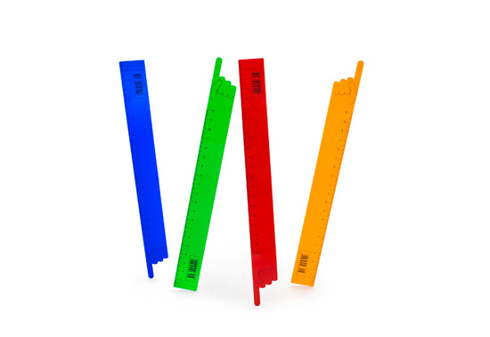 The Lineikus finger-pointing ruler gift