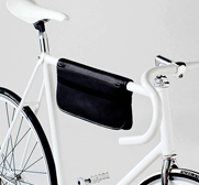 The VELOcit� bicycle bag by Eva Blut